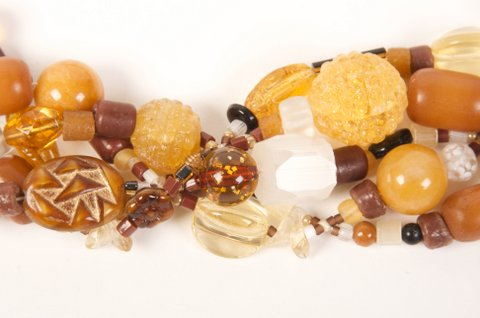 Priscilla tan glass small beads 5179